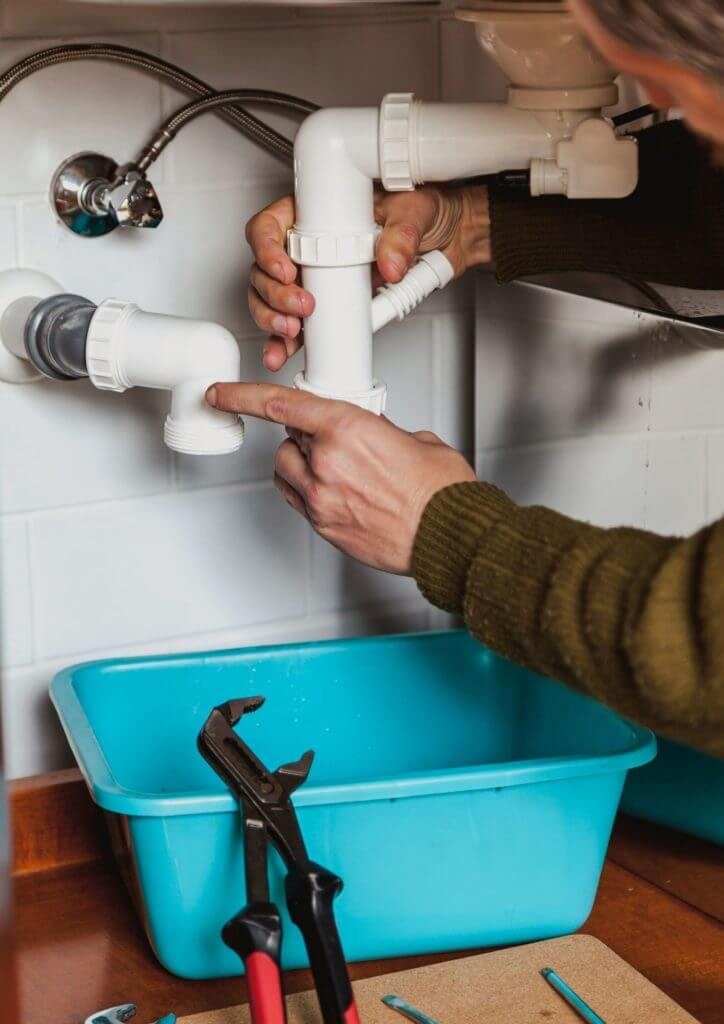 how_to_fix_pvc_pipe_leak.png